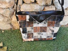 Sac Mambo en simili noir et imprimé carrés cousu par Elodie - Patron Sacôtin
