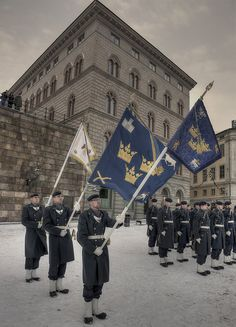 Vaktparaden ~ Royal Guard in the snow ~ Stockholm, Sweden.  Photo: Robban.G
