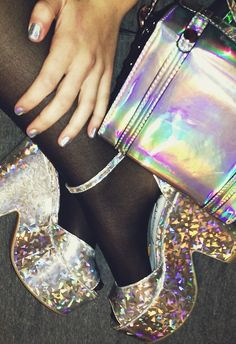 Hologram cut out wedge Frock Fashion, 90s Fashion, Holographic Fashion, Holographic Fabric, Looks Style, My Style, Grunge, Metallic Look, Punk