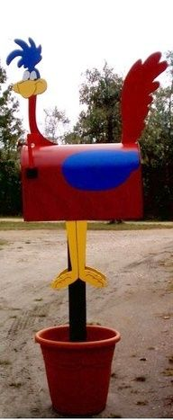 I don't think my neighbors would like this.  ROAD RUNNER MAILBOX!