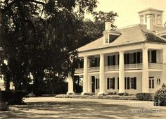 The fabulous South. One day I will live in a house like this!