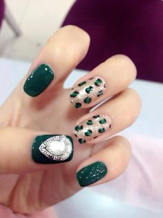 The blackish green of big love Amazing Nails, Big Love, Fun Nails, Gallery, Green, Beauty, Roof Rack, Beauty Illustration