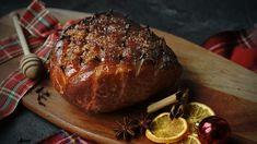 Zejména vanglosaských zemích je pečená šunka na vánoce tradiční specialitou. Peče se vcelku svoňavým kořením amedem, ale každá domácnost má svůj vlastní recept. Vyzkoušejte ji letos ivy! Steak, Pork, Kale Stir Fry, Steaks, Beef, Pork Chops