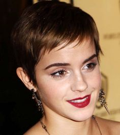 emma watson pixie cut hairstyle