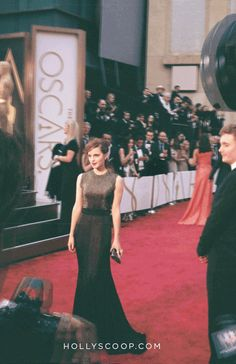#emmawatson  16 Beautiful 3D GIFs from the Oscars Red Carpet | Hollyscoop
