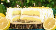 Ένα παγωμένο, ελαφρύ λεμονογλυκό, γεμάτο με μια γλυκιά γεύση λεμονιού για να απολαύσετε το ιδανικό επιδόρπιο και όχι μόνο. Ένα γλύκισμα στο οποίο η γεύσει