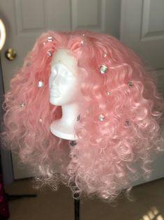Big Curly Hair, Curly Hair Styles, Natural Hair Styles, Baddie Hairstyles, Pretty Hairstyles, Wedding Hairstyles, Creative Hair Color, Birthday Hair, Pink Wig