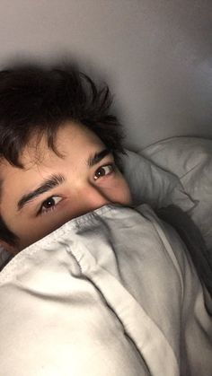 Beautiful Boys, Pretty Boys, Julian Serrano, Aesthetic Eyes, Grunge Boy, Photography Poses For Men, Cute Teenage Boys, Selfie Poses, Perfect Boy