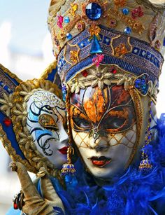 Carnival of Venice, Italy - magnificent costume and masque Venetian Carnival Masks, Carnival Of Venice, Venetian Masquerade, Masquerade Ball, Mardi Gras, Arte Punch, Costume Venitien, Venice Mask, Beautiful Mask
