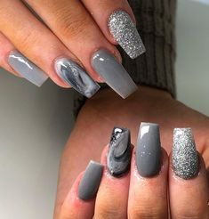 Evesnailsx on infills redesign grey marble glitter cjp_nail_systems_official elephant nailart nailsoftheday acrylicnailsdesign trendy nails winter neutral grey nails Grey Gel Nails, Grey Nail Art, Silver Nails, Cute Acrylic Nails, Glitter Nails, Glitter Face, Pointy Nails, Glitter Girl, Fancy Nails