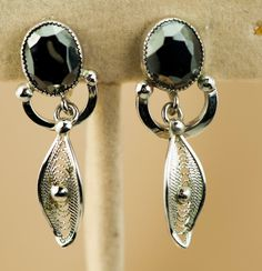 Faceted Sterling Silver Hematite Vintage Filigree Earrings – Screw Back Style Signed ESPOFLEX – 21 Vintage Street Filigree Earrings, Rhinestone Jewelry, Vintage Rhinestone, Vintage Earrings, Vintage Jewelry, Unique Jewelry, Sterling Silver Filigree, Sterling Silver Earrings, Photographing Jewelry