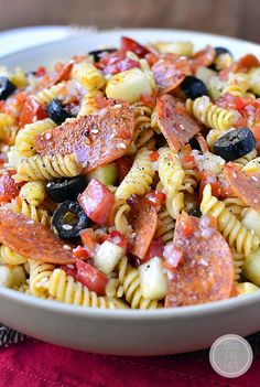 The BEST Pasta Salad is an old family recipe. Simple and simply the best (easily made gluten-free, too!) Time for another Way Back Wednesday Post! Not the kind where I talk about my passion for stirr Pasta Salad For Kids, Best Pasta Salad, Pasta Salad Italian, Pasta Salad Recipes, Side Dish Recipes, Dinner Recipes, Dinner Ideas, Potluck Recipes, Pasta Dishes