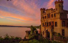 Замок Баннермана в Нью-Йорке, разрушенный взрывом
