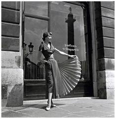 Photo Willy Maywald 1948 Elsa Schiaparelli Robe d'apres midi