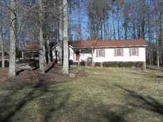 This very well maintained home in Archdales Robins Nest offers 3 spacious bedrooms 2 baths and a 2 car attached carport with extra storage.  You will love the updates that the seller has done in the last few years like New Roof (11) New Hardwood Floors (13) carpetvinyl (10) and more The kitchen offers a new cooktop in the island bar and there is a lot of storage in the pantry. There is a formal dining room located right off the kitchen.  The living room offers hardwood floors and a rock ...