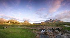 Schotland is dé bestemming voor een wandelvakantie. Van de West Highland Way tot het eiland Skye, de wandelroutes zijn onvergetelijk.