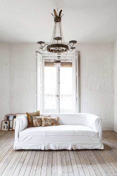 Refurbished apartment in Madrid by Erico Navazo. Photography by Juan Baraja, via Yellowtrace.