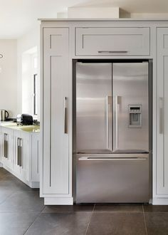 Pantry Cabinets around Refrigerator | Cabinets build around a white refrigerator DONT LIKE THE FRIDGE I