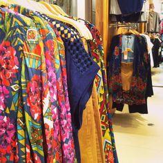 Novidades e estampas bafo nas lojas!  #shoulderoficial #newcollection #70s #vm #store