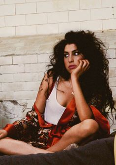 #Amy Winehouse                                                       …