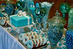 TIFFANY COLORED CANDY | Photo Inspiration of the Day: Beautiful Blue Candy Buffet