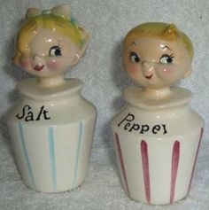 Lefton Salt & Pepper ~ never seen these hmm Vintage Kitchenware, Vintage Dishes, Pin Up, Vintage Cookies, Salt And Pepper Set, Salt Pepper Shakers, Vintage Love, Kitsch, Tea Pots