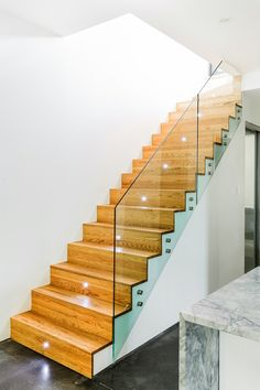 led treppenbeleuchtung einbauleuchten treppenhaus holz glas