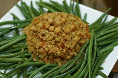 Green beans, bulgur and chick peas casserole (Madfoonet loobyeh)