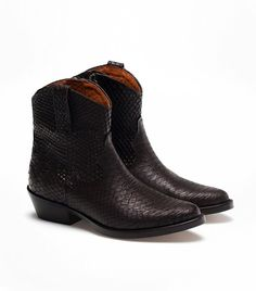 Massimo Dutti Cowboy Ankle Boots