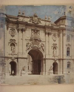 Gates with lions in the Buda Castle, 1902