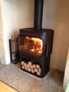 jotul F305 modern wood stove free standing