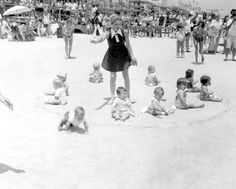Grab your blankie and binkies for the beach baby race of '73. | Florida Memory