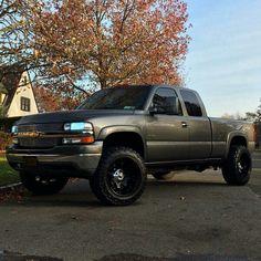 Lifted Chevy Trucks, Gm Trucks, Diesel Trucks, Cool Trucks, Fire Trucks, Chevrolet Silverado, Silverado 4x4, Chevy 1500, Black Truck