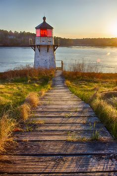 Maine Coast Lighthouses | ... Lighthouse is a hidden gem along the Kennebec River in Arrowsic, Maine