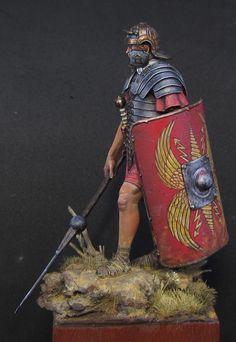 Roman Legionary by Aythami Alonso Torrent · Putty&Paint Military Figures, Military Diorama, Military Art, Rome History, Ancient History, Ancient Rome, Ancient Art, Roman Gladiators, Pax Romana