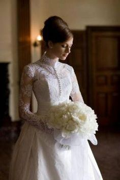 Reminds me of Grace Kelly's wedding gown. Reminds me of Grace Kelly's wedding gown. Modest Wedding Gowns, Sheath Wedding Gown, Wedding Dress Sleeves, Dream Wedding Dresses, Bridal Dresses, Lace Sleeves, Dress Lace, Grace Kelly Wedding, Marie