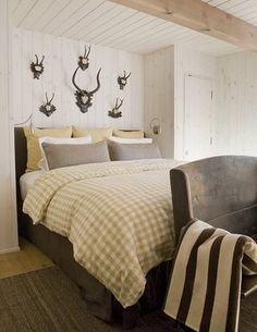 antler bedroom in aspen