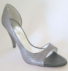 Kenneth Cole New York Rise And Shine Gray Embossed Leather Dorsay Heels 6 M 6M #KennethCole #OpenToe