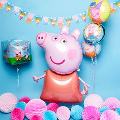 How to Throw the Ultimate Peppa Pig Party Fall Birthday, 3rd Birthday Parties, 2nd Birthday, Balloon Decorations Party, Birthday Party Decorations, Peppa Pig Wrapping Paper, Peppa Halloween, Peppa Pig Party Games, Peppa Pig Balloons