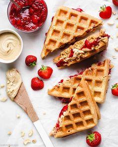 Crispy waffle sandwiches with roasted cashew butter and strawberry chia jam by – Simple Food Vegan Sandwiches, Chia Jam Recipe, Strawberry Chia Jam, Keto Vegan, Waffle Day, Vegan Birthday Cake, Crispy Waffle, Roasted Cashews, Zucchini Fritters