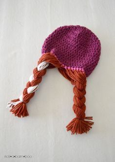 Free pattern for cute crochet Anna and Elsa braided hats.