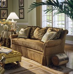 Highland House Furniture 2848 85 Louisa Sofa