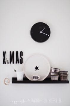 ♥ black, white and festive