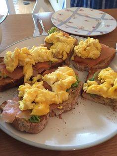 Super healthy breakfast toastinies  | motherinlondon