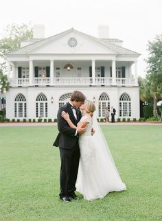 Photography : Corbin Gurkin Photography   Wedding Dress : Monique Lhuillier Read More on SMP: http://www.stylemepretty.com/2015/11/02/classic-blush-gold-wedding-charleston/