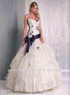 white and purple wedding dress White Wedding Dresses, Purple Wedding, Pretty Dresses, Beautiful Dresses, Bridal Gowns, Wedding Gowns, Bridesmaid Dresses 2017, Slimming World, Purple Dress