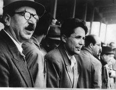 ΠΡΩΤΟΜΑΓΙΑ 1946 ΣΥΓΚΕΝΤΡΩΣΗ ΣΤΟ ΓΗΠΕΔΟ ΠΑΝΑΘΗΝΑΪΚΟΥ ΣΙΑΝΤΟΣ, ΖΑΧΑΡΙΑΔΗΣ_.jpg