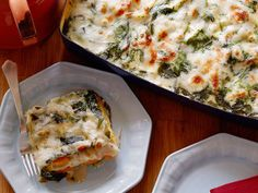 Lowfat milk thickened with cornstarch takes the place of a traditional bechamel and ricotta filling and it still tastes incredibly creamy. Fresh, sweet squash also lends a nice richness and part-skim mozzarella gives you that gooey cheese goodness. Fresh baby spinach adds vitamins and minerals to this vegetarian main.