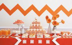 Orange cute girly decor party. Festa de aniversário laranja para menina. Chevron na decoração.