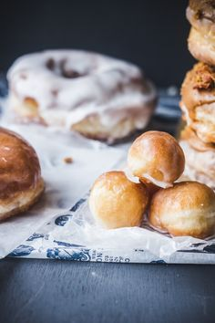 How to make doughnuts (with video) and Coffee-Biscoff-Bacon Doughnuts